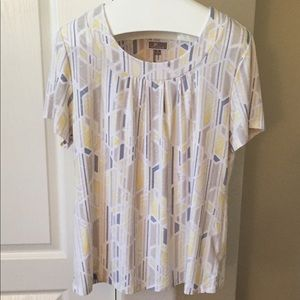 JM Collection White sliming vertical print top